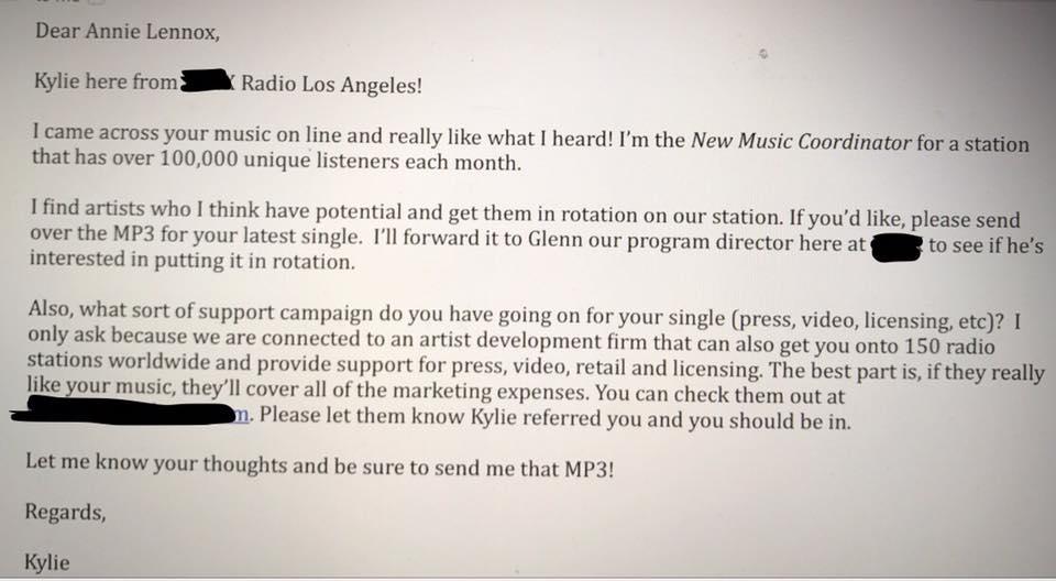 annie lennox radio américaine offre