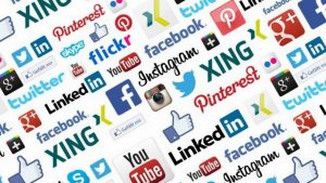 reseaux sociaux reseau facebook twitter